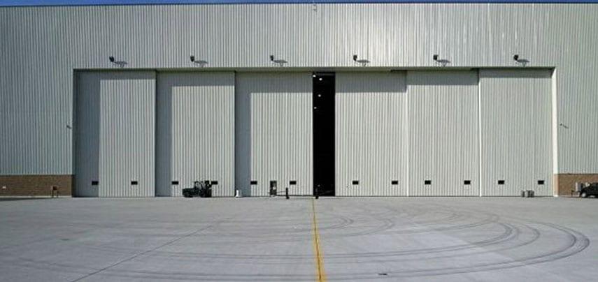hangar_0007_gallery_ss1