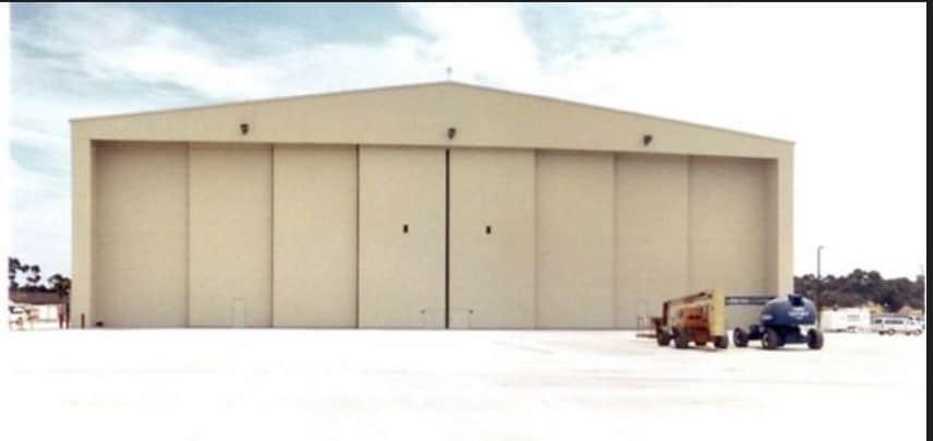 Hangar_0017_Background